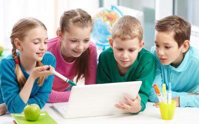 """Jak nauczyć dziecko myślenia """"poza schematami""""? (zfilmem)"""