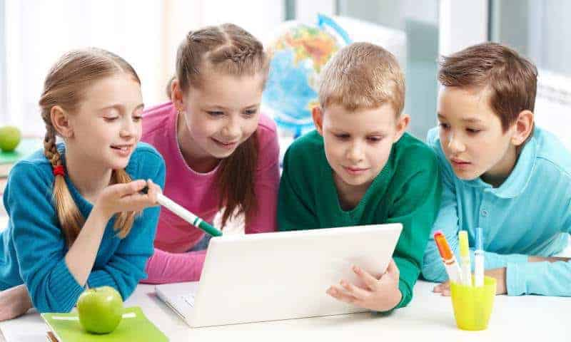 """Jak nauczyć dziecko myślenia """"poza schematami""""?"""
