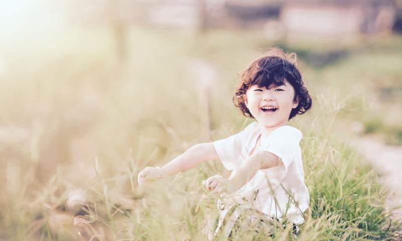 """50 ważnych rzeczy, którychpowinno choć raz doświadczyć każde dziecko. Cozlisty marzeń już macie """"odhaczone""""?"""
