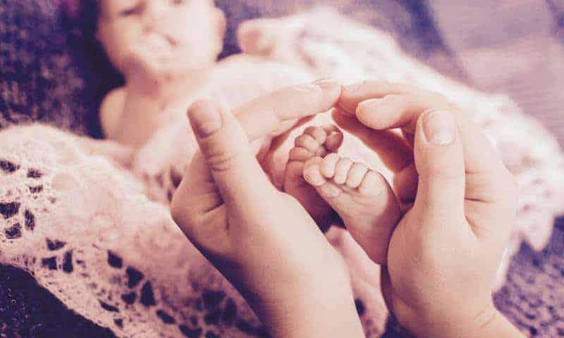 Jak odłożyć dołóżeczka uśpionego niemowlaka?