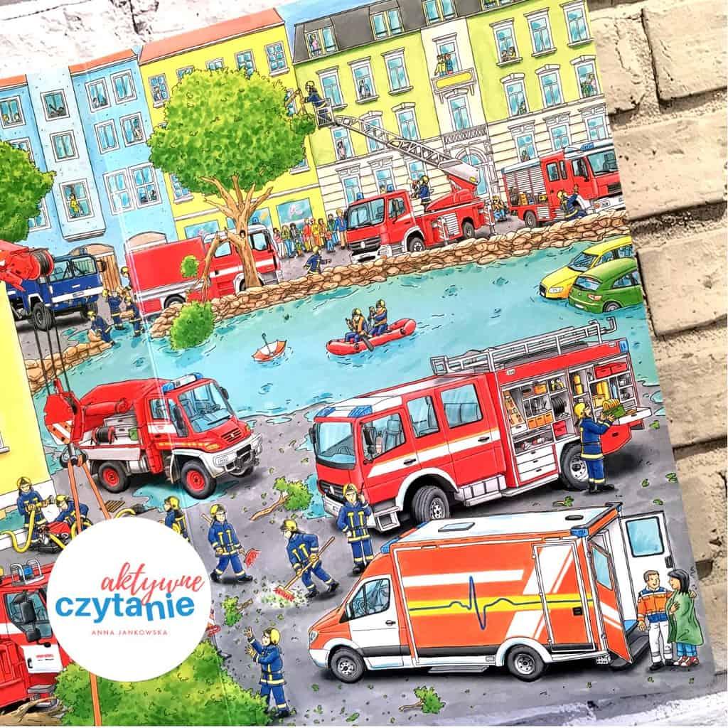 Wielka księga pojazdów Dźwig, traktor, koparka straż pożarna