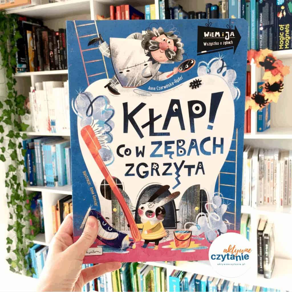 klap-w-zebach-zgrzyta-recenzja-1024x1024